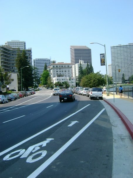 Lakeside_Drive_Bike_Lane